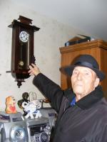 Еще идут старинные часы